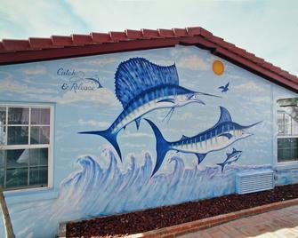 Tropical Manor - Daytona Beach Shores - Building
