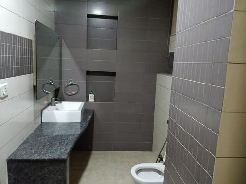 Perfect Residency - New Delhi - Bathroom