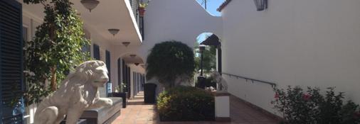 Mediterraneo Resort - Palm Springs - Θέα στην ύπαιθρο