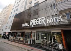 Hotel Rieger - Balneário Camboriú - Rakennus
