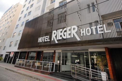 Hotel Rieger - Balneário Camboriú - Toà nhà