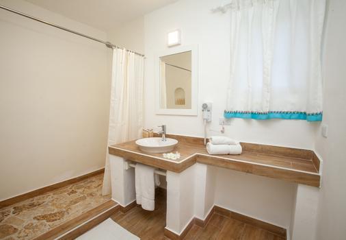 Los Corales Beach Village - Punta Cana - Bathroom