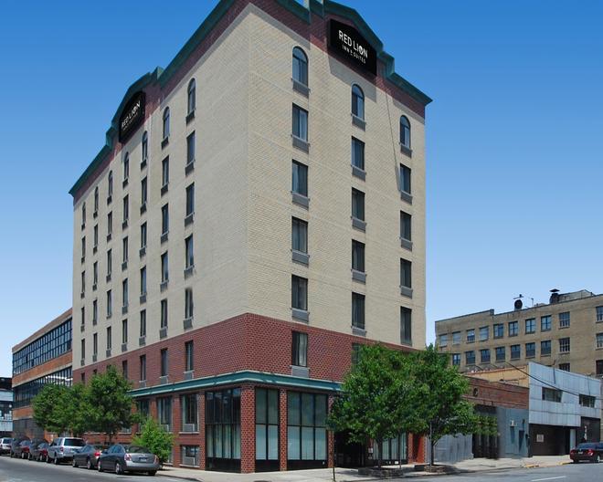 Red Lion Inn & Suites Long Island City - Queens - Rakennus
