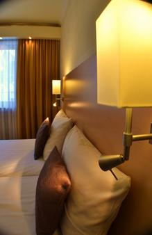City Hotel Ost Am Kö - Augsburg - Phòng ngủ