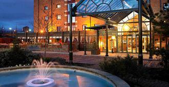 Manchester Marriott Victoria & Albert Hotel - Manchester - Rakennus
