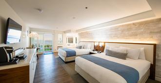SeaCrest OceanFront Hotel - פיסמו ביץ' - חדר שינה