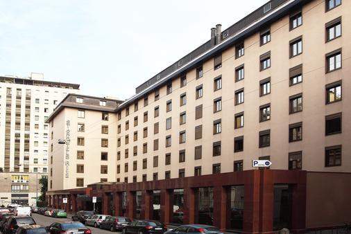 Starhotels Ritz - Milano - Rakennus