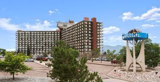 Satellite Hotel - Colorado Springs