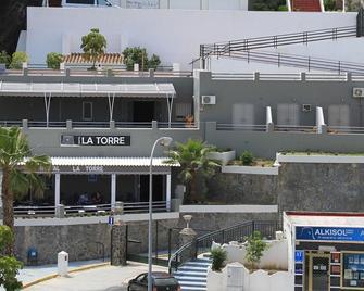 Hostal La Torre - Альмуньекар - Здание