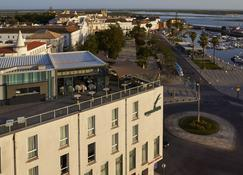 Hotel Faro & Beach Club - Faro - Building