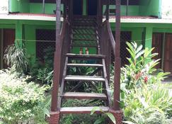 Chinitas Eco Lodge - Tortuguero - Edificio