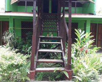 Chinitas Eco Lodge - Tortuguero - Gebouw