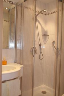 Hotel Gasthaus Hirschen - Todtnau - Bathroom