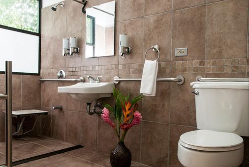Tapirus Lodge - Guápiles - Bathroom