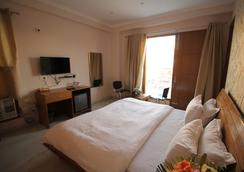 The Residencia Inn Premium - Gurgaon - Bedroom