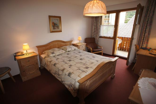 Hotel Beau Séjour - Leukerbad - Bedroom