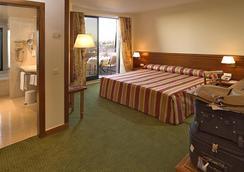 Hotel Real Parque - Lissabon - Schlafzimmer
