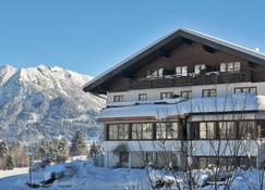 Ringhotel Nebelhornblick - Oberstdorf - Toà nhà