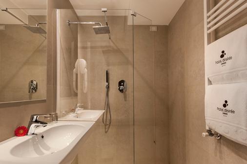 迪澤爾酒店 - 西米歐涅 - 西爾米奧奈 - 浴室