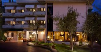 迪澤爾酒店 - 西米歐涅 - 西爾米奧 - 建築