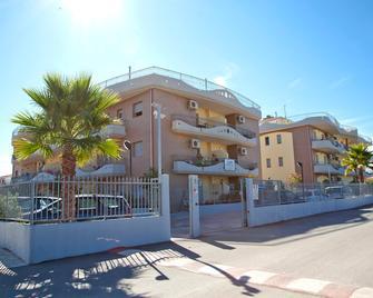 Residence Albadorata - Campomarino - Building