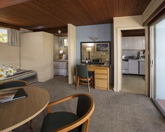 Blue Sky Lodge - Carmel Valley - Wohnzimmer