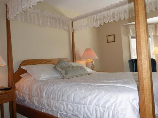 Birch Ridge Inn - Killington - Bedroom