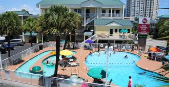 Best Western Plus Grand Strand Inn & Suites - Myrtle Beach - Piscina