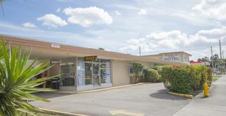 Parkway Inn Airport Motel Miami - Miami Springs