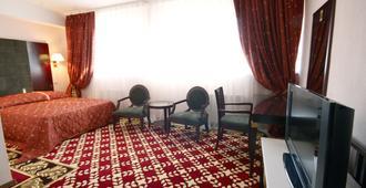 Club Royal Park Hotel - צ'יסינאו