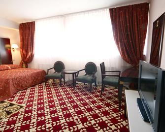 Club Royal Park Hotel - Chisinau - Bedroom