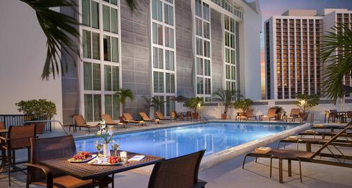Courtyard by Marriott Miami Downtown/Brickell Area - Miami - Pool
