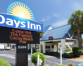 Days Inn by Wyndham Cocoa Beach Port Canaveral - Cocoa Beach - Building