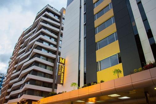 Hotel Finlandia - Quito - Building