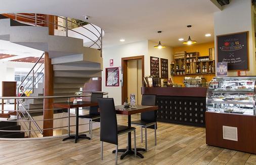 Hotel Finlandia - Quito - Bar