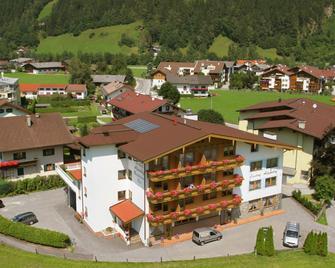 Alpenhof Hotel Garni Suprême - Zell am Ziller - Gebäude