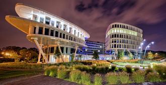 Sound Garden Hotel Airport - Warsaw