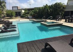 Talk of the Town Hotel & Beach Club - Oranjestad - Pool