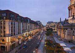 Hilton Berlin - Berlin - Outdoor view