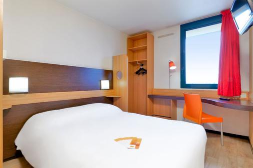 Premiere Classe Cholet - Cholet - Schlafzimmer