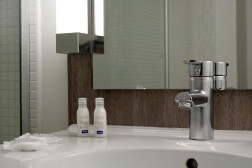Kyriad Compiegne - Compiègne - Bathroom