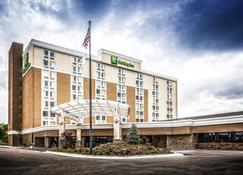 Holiday Inn Wichita East I-35 - Wichita - Rakennus