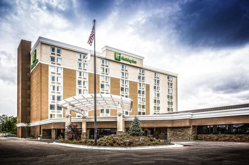 Holiday Inn Wichita East I-35 - Wichita - Rakennus