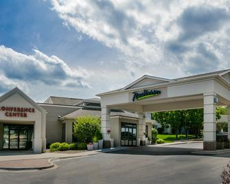 Radisson Hotel & Conference Center Coralville - Iowa City - Coralville - Building