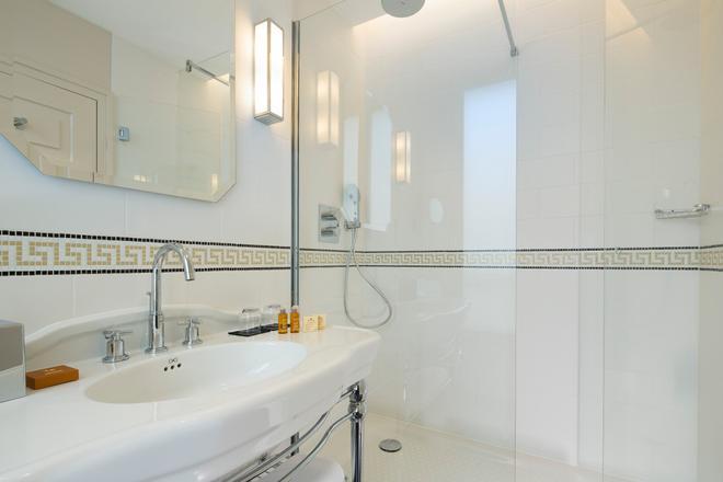 Le Tsuba Hotel - Paris - Bathroom