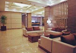 Tskaltubo Plaza Hotel & Resort - Tsqaltubo - Lobby
