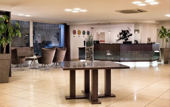 Mercure Hotel Bielefeld Johannisberg - Bielefeld - Recepción