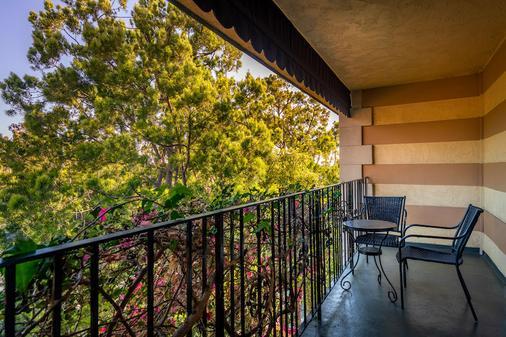 Hotel Pepper Tree Boutique Kitchen Studios - Anaheim - Anaheim - Parveke