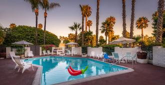 Hotel Pepper Tree Boutique Kitchen Studios - Anaheim - Anaheim - Piscina