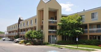 Red Lion Inn & Suites Dayton Airport - Dayton